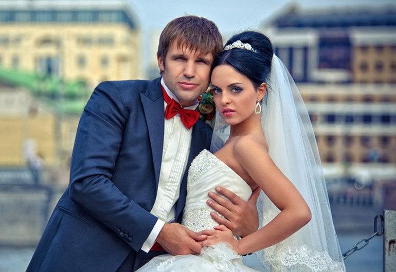 Тимур Ефременков, становится мужем юлии